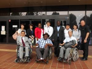写真3 八王子市役所を訪問