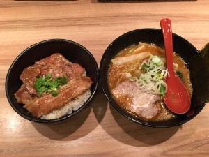 豚丼とラーメン