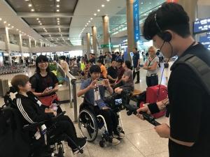 DPI韓国のキム・ソヨンさんとカメラクルーがお出迎え