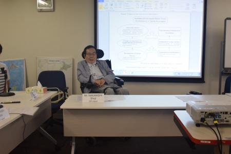 講義で話す中西正司DPI常任委員
