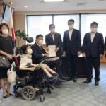 山本博司厚労副大臣に「ワクチンの優先接種及びPCR検査の定期検査化を求める要望書」を提出しました