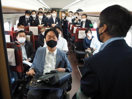 JR東日本の担当者の方から改良点のご説明